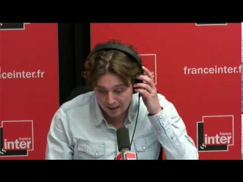 Marine Le Pen chante Dalida - Le journal de 17h17