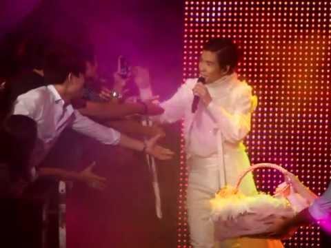 每天愛你多一些 @ 2011蕭敬騰世界巡迴演唱會 - 香港站 2011/08/06 - YouTube