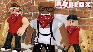 JOINING A GANG IN ROBLOX