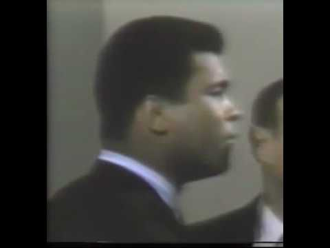 Muhammad Ali loses control and Slaps Terrell For Calling Him Clay NOT ali