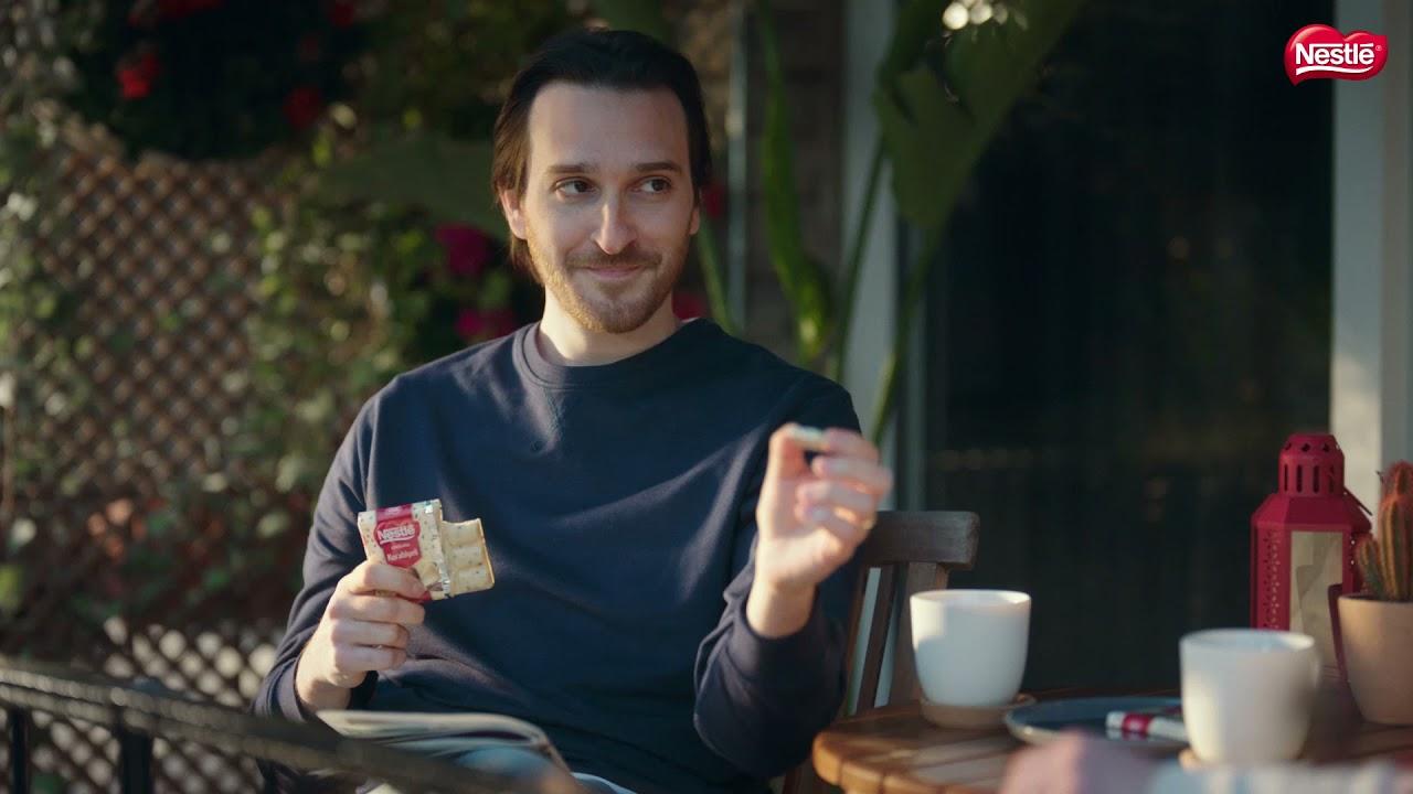 Kurabiyeli Beyaz Nestlé  Çikolata Tam Ağzıma Like!