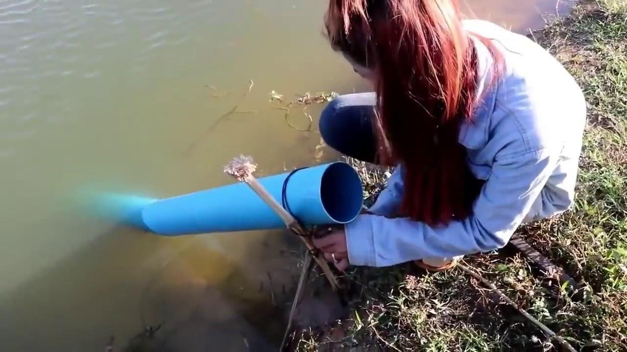 Девушка показала необычный способ рыбалки. Девушки на рыбалке