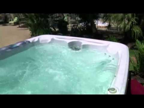 Aquaterra™ Spas Verona 22-Jet, 6-Person Spa (Spanish Version)
