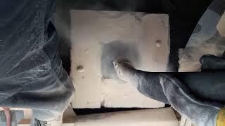 Frézování komínu vlastní hydraulickou frézou.