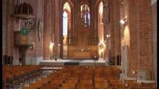 Выставка картин в церкве Петра