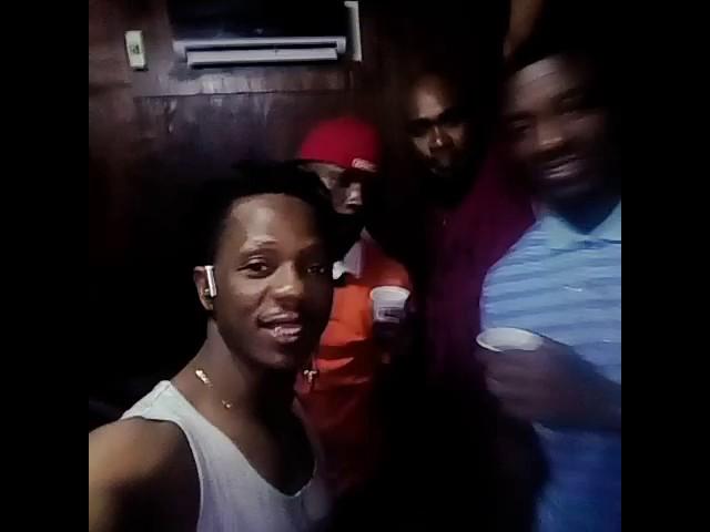 Cest dans un esprit de joie avec mes managers que jai enregistré ma chanson On Na Ka Boit...