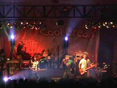 Rocket Rockers - Membaca Tanpa Mata Live at Malang