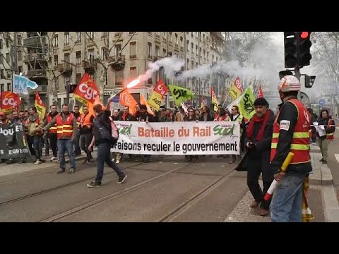 Industrial action strikes southern France city of Lyon