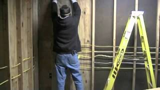 The Down To Earth Woodworker: Garage Shop Conversion, Part 2 -- Insulation