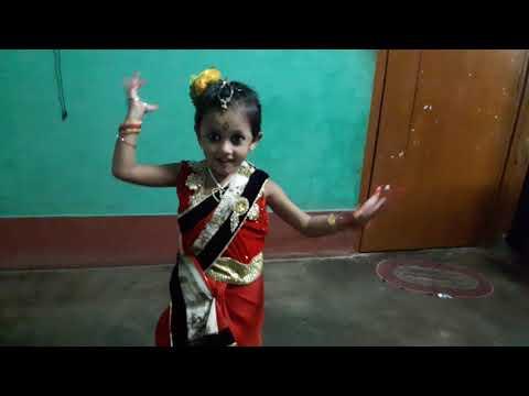 Moyna chalak chalak chale dance