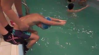 Обучение плаванию, дети 5-6 лет, ныряние в воду.
