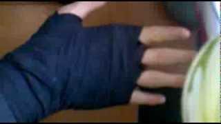 как правильно наматывать элостичный бинт на руку(, 2013-10-10T10:30:50.000Z)
