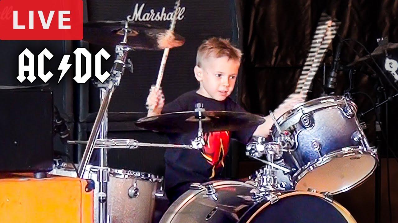THUNDERSTRUCK - LIVE (5 year old Drummer)