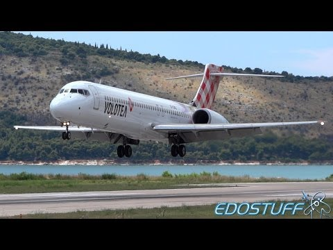 Volotea - Boeing 717-2BL EI-EWJ - Close view Landing at Split airport SPU/LDSP