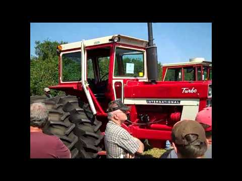 1975 IHC 1566 Tractor with 450 Hours Sold for $45,000 on Minnesota Farm Auction