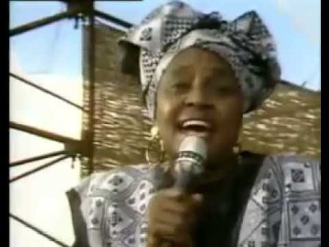 Soweto Blues-Miriam Makeba( GRACELAND CONCERT WITH PAUL SIMON )