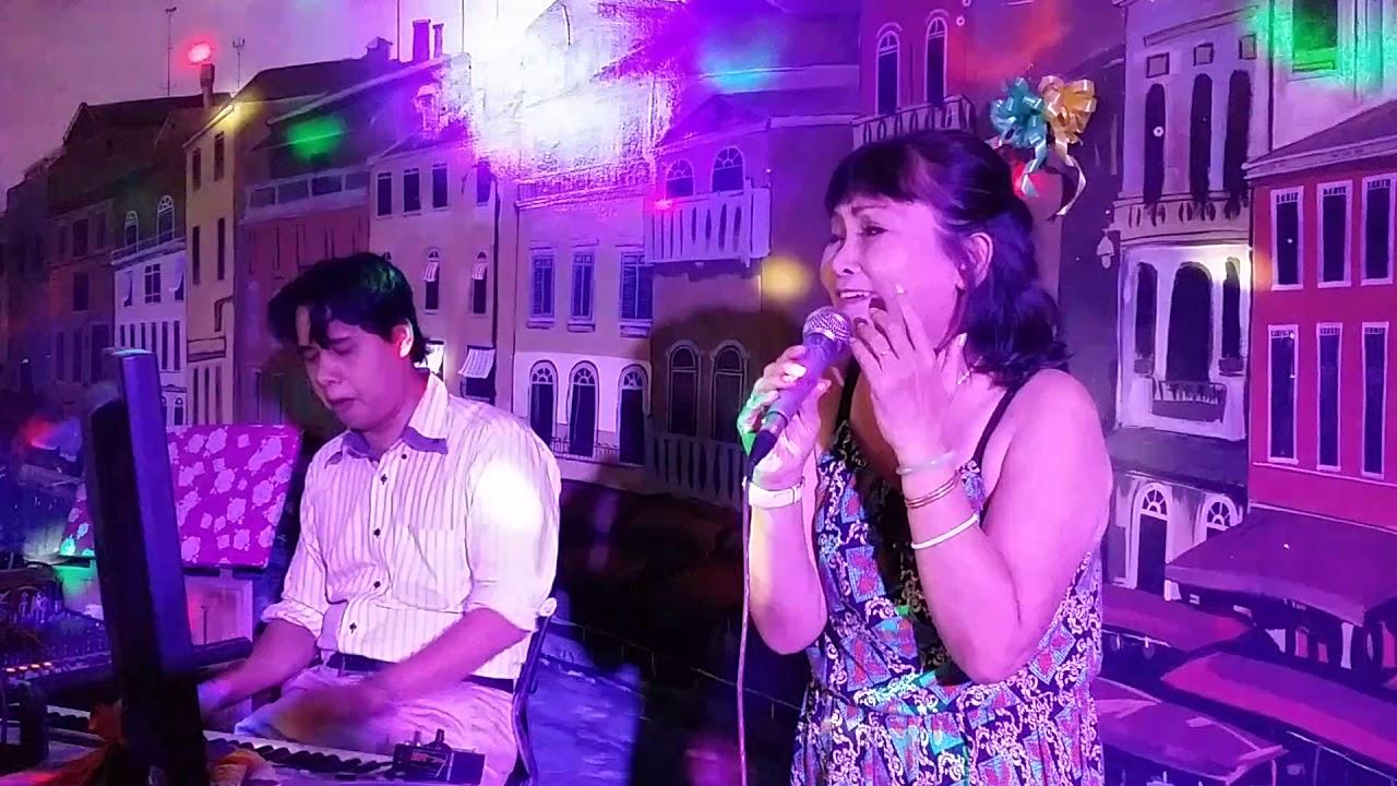 Vu Nu Than Gay Khanh Thi - YouTube