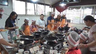 Популярная китайская кухня. Битый огурец, курица гунбао, лапша с овощами