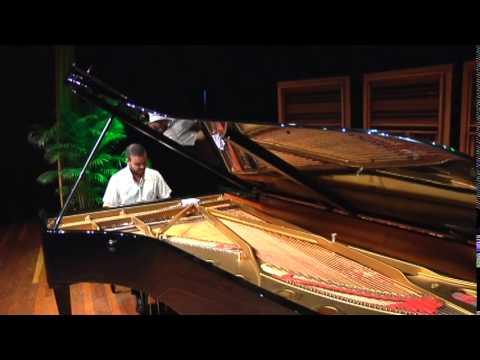 Mussorgsky-Cuadros de una Exposición. Carlos Gutiérrez (Piano)