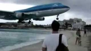 Airplane flying over beach to Airport!!!MUST SEE