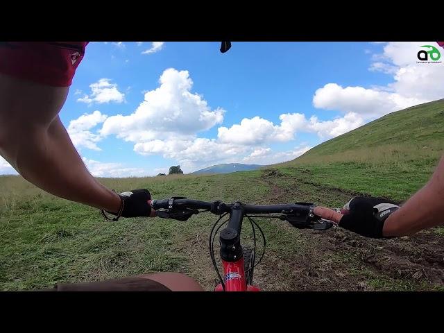 Aventuri pe bicicleta : Prin Masivul Rarau