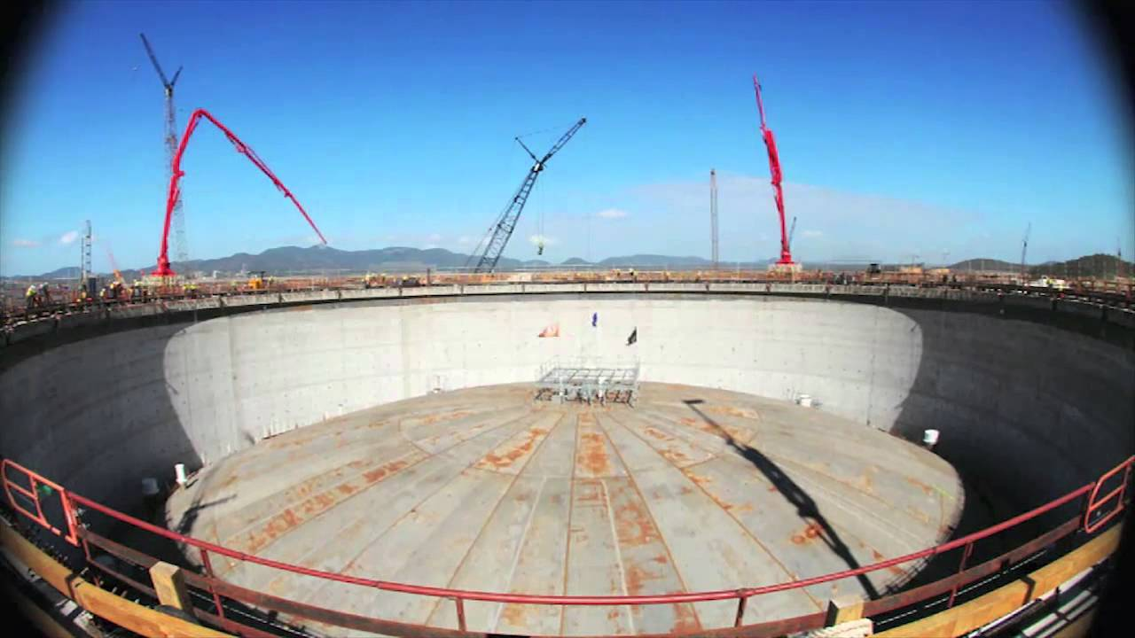 QCLNG Construction Milestone - Tank Roof Installed