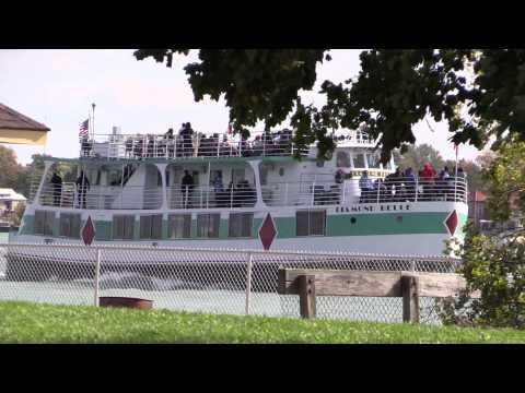 Passenger Ship Diamond Belle Sails The De