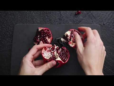 How to Cut a Pomegranate Like a Pro!