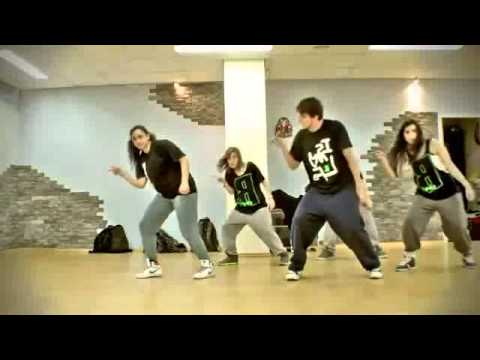 hướng dẫn tập nhảy flash mob bài What Makes You Beautiful - YouTube(1)