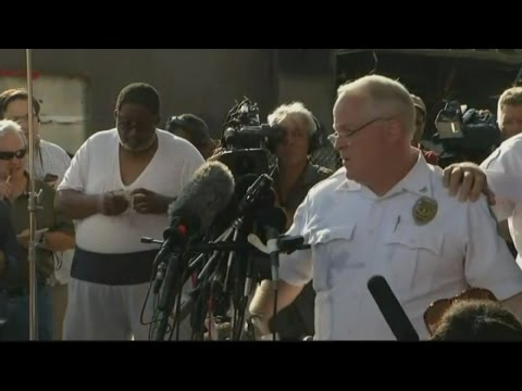 Ferguson: Police name officier who killed Michael Brown | Channel 4 News