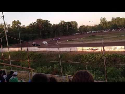 Hobby Stock Heat Races Mt. Pleasant Speedway 6/3/16