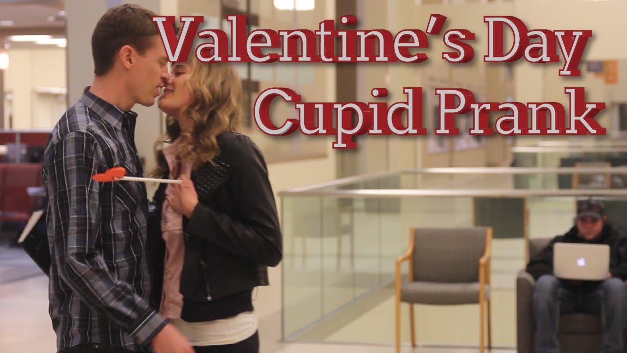 Perfekt Valentineu0027s Day Cupid Prank   Awkward Valentineu0027s Kiss   YouTube