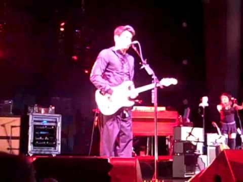 Heartbreak Warfare- John Mayer Live 2/21/10 in Philly - YouTube