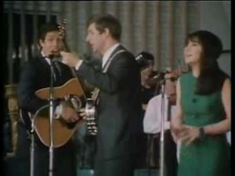 The Seekers - 1967 - 'Morningtown Ride' - Melbourne Myer Music Bowl.