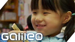 So wichtig ist die Mittagspause in Japans Schulen | Galileo | ProSieben