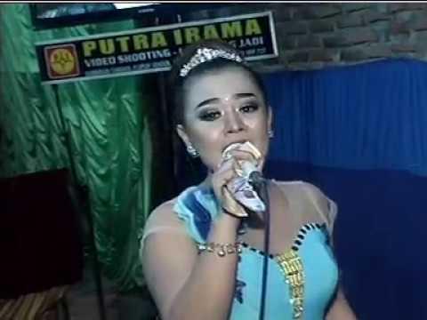 Juragan Empang Voc. Lia - BLS MUSIC Live Kayen HUT RI 72
