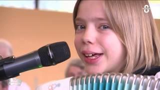BALADE À PARIS, Valse parisienne – Madlyn music Madlyn 10 ans –  Accordéon musette – Accordéon chant