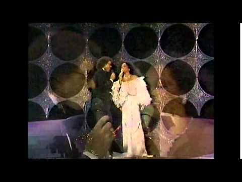 Diana Ross & Lionel Richie - Endless Love (Live)  54th Annual Academy Awards 1982