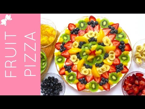 How To Make Sugar Cookie Fruit Pizza with Cream Cheese Frosting // Lindsay Ann Bakes