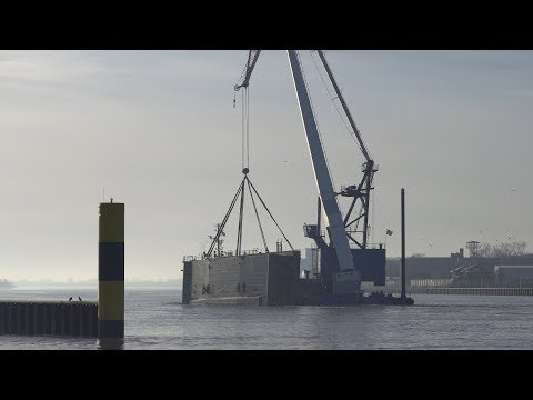4K | 100t Floating Crane BHV Athlet with flood gate
