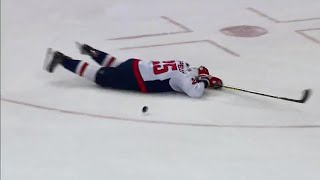 Smith-Pelly exits after taking McDonagh's slap shot to head