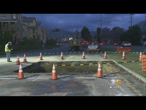 Crews Hasten to Fill Sinkhole on Montague Expressway in Milpitas