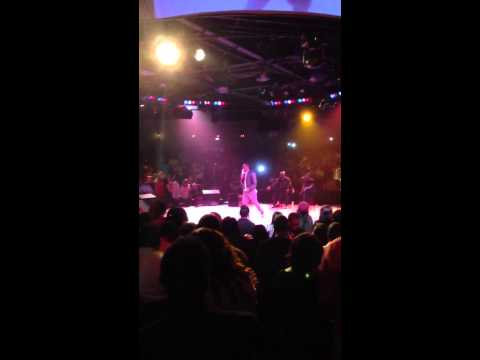 R. Kelly performs a medley of  his classic songs in Houston