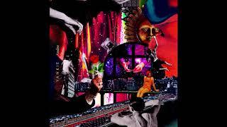 Yankie - Mirror [Feat. Suran]
