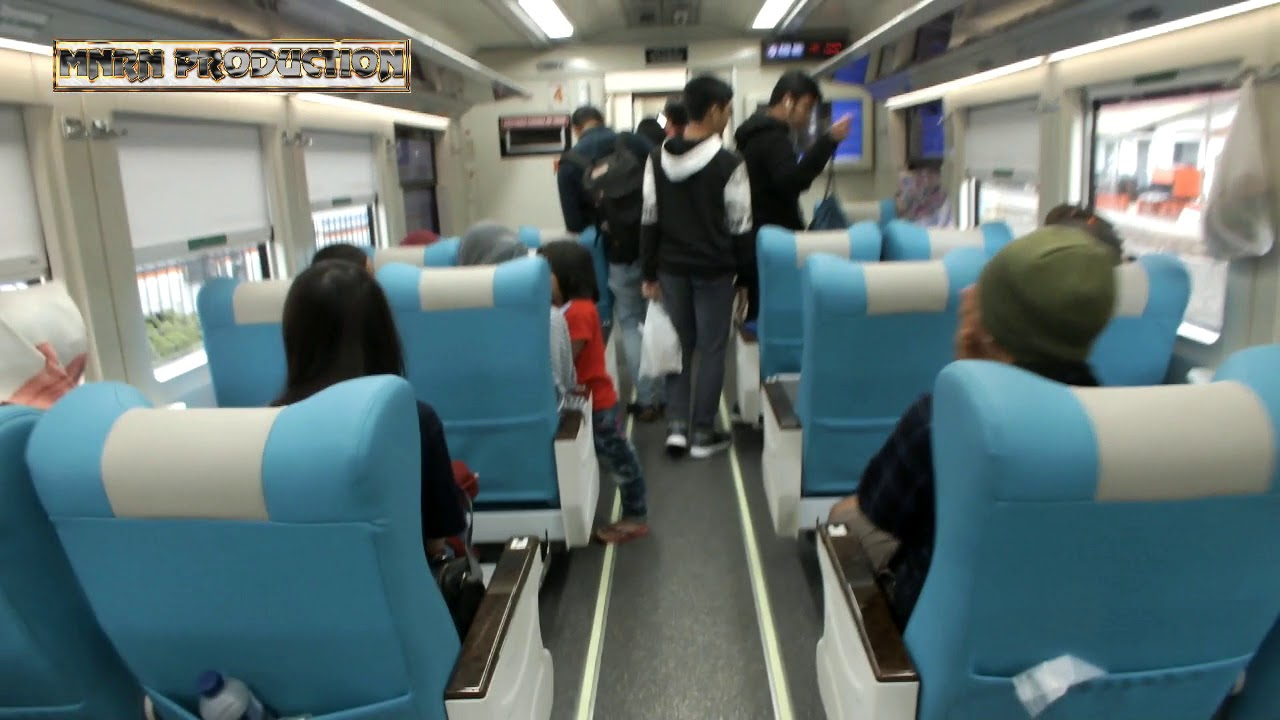 ilustrasi penampakan gerbong Kereta Api Argo Parahyangan kelas eksekutif