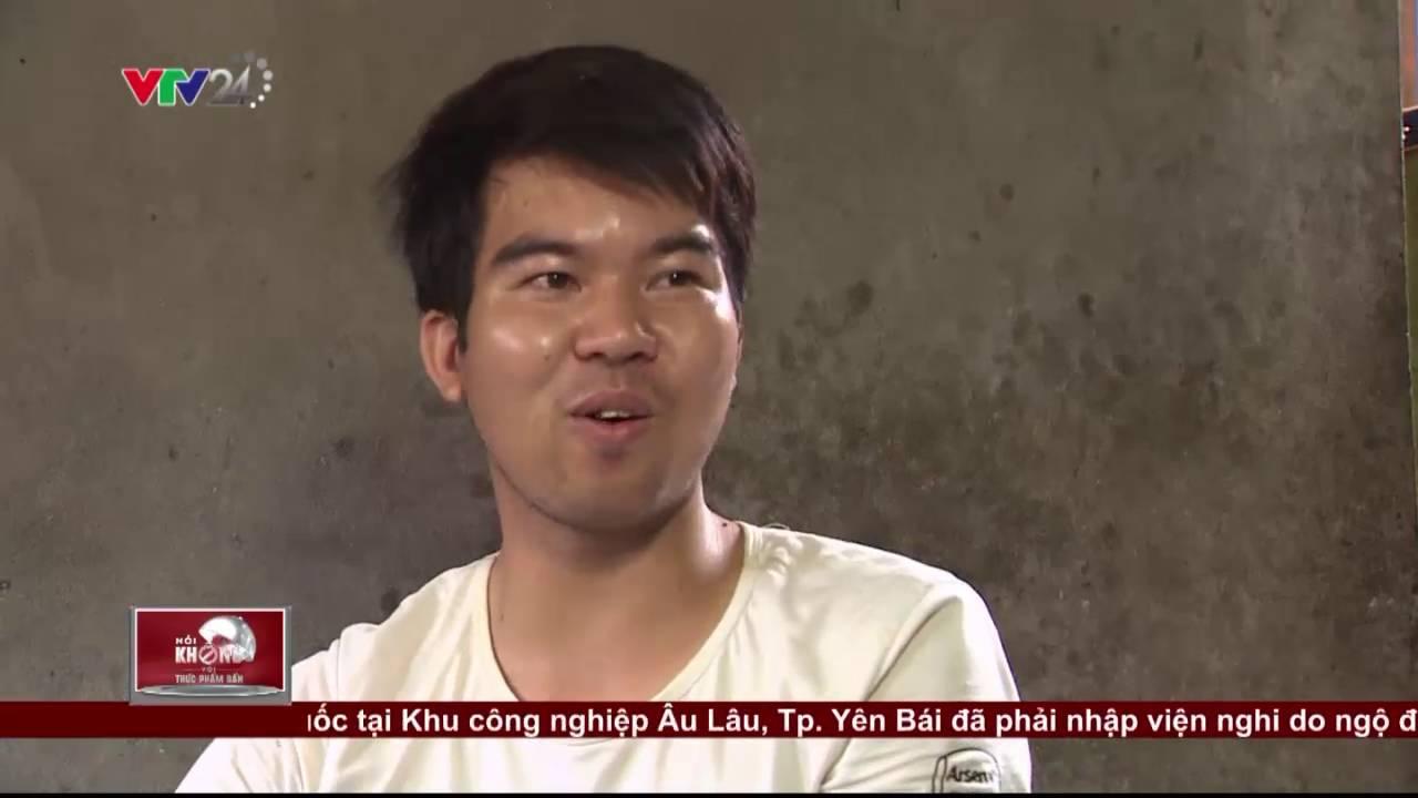 Kinh hoàng chứng kiến công nghệ chế biến bate, xúc xích bẩn | VTV24