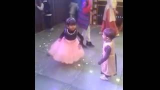 AMAZING DJ DANCE / अद्भुत डीजे नृत्य
