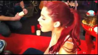 Liz Gillies and Ariana Grande singing Drake and Josh theme tune!