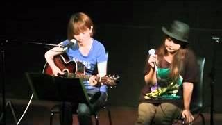 2012/7/25 奄美 古仁屋 ライブハウス JUICE にて。 毎週水曜日はアコー...