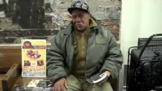 Homeless sing Otis Redding i
